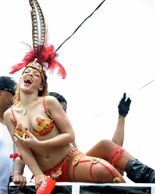 "Rihanna: ""Mi país, mi gente… BARBADOS!"""