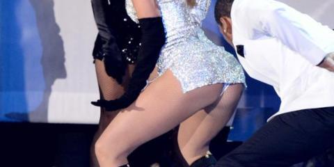 Jennifer-Lopez-Fashion-Rocks-2