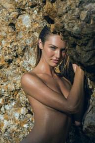 Candice Swanepoel desnuda en Maxim