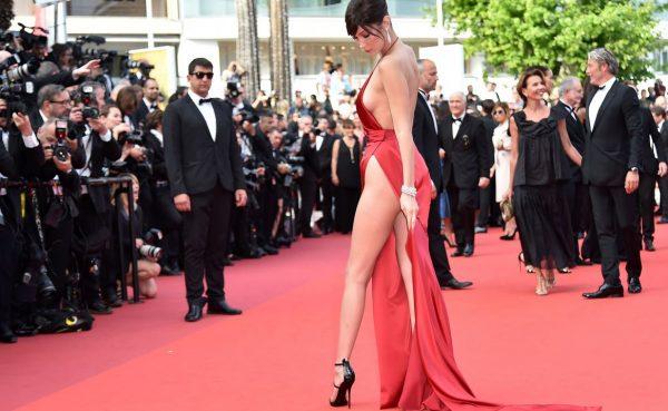 Bella Hadid casi muestra la vagina