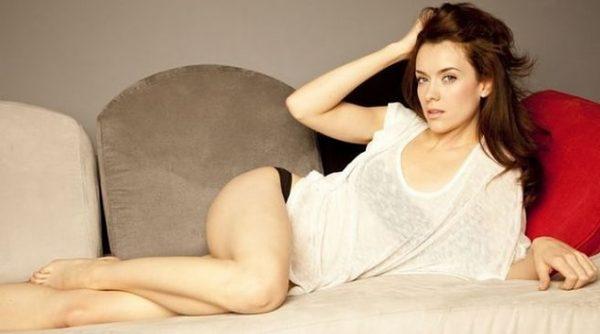 Ashlynn Yennie desnuda en Submission S01E04