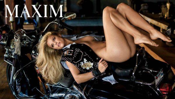 Nina Agdal posando muy sexy para Maxim