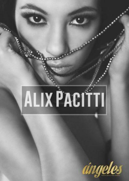 Alix Pacitti desnuda para Angeles Revista
