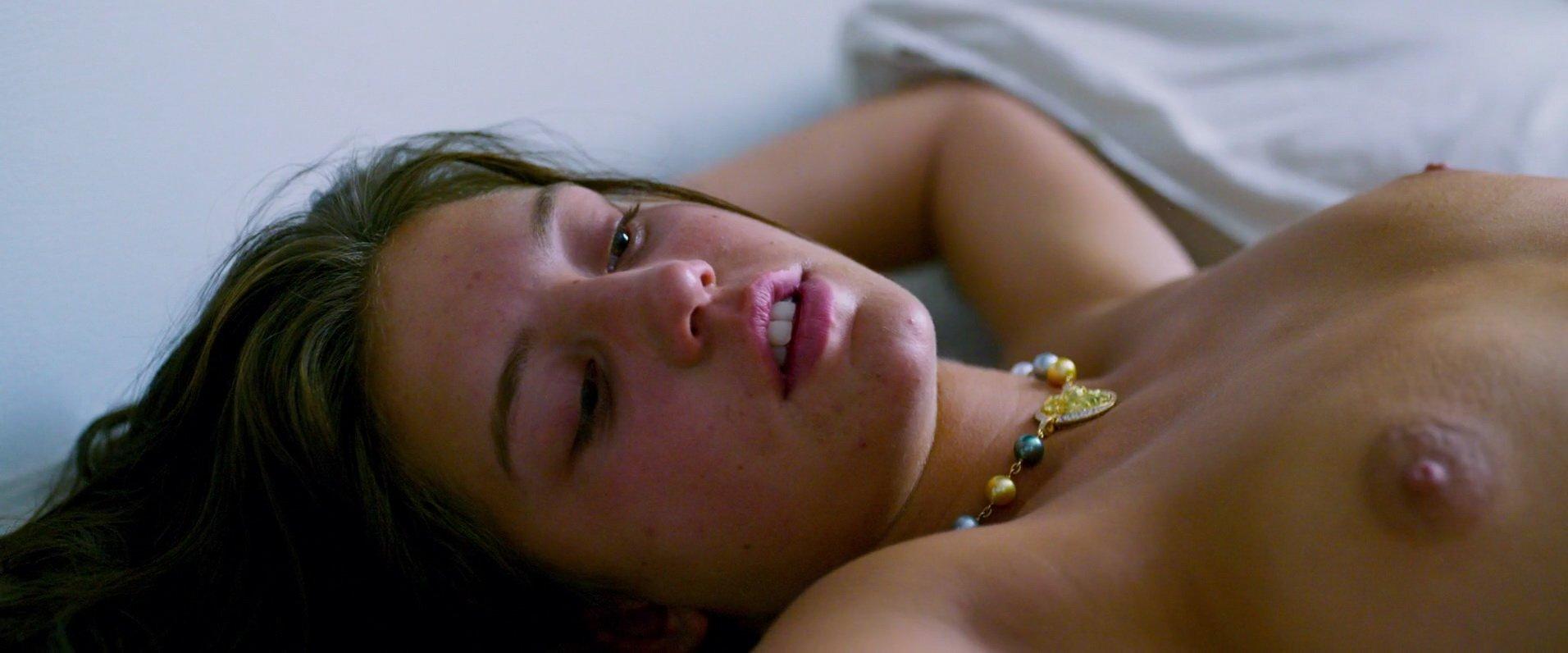 Gemma-Atkinson-Naked-6 - Famosas desnudas FDV