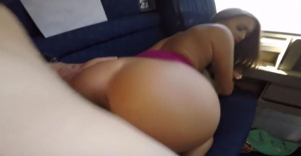 Porno para los amantes de los viajes en tren