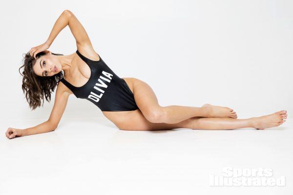 Olivia Culpo Colección Desnuda
