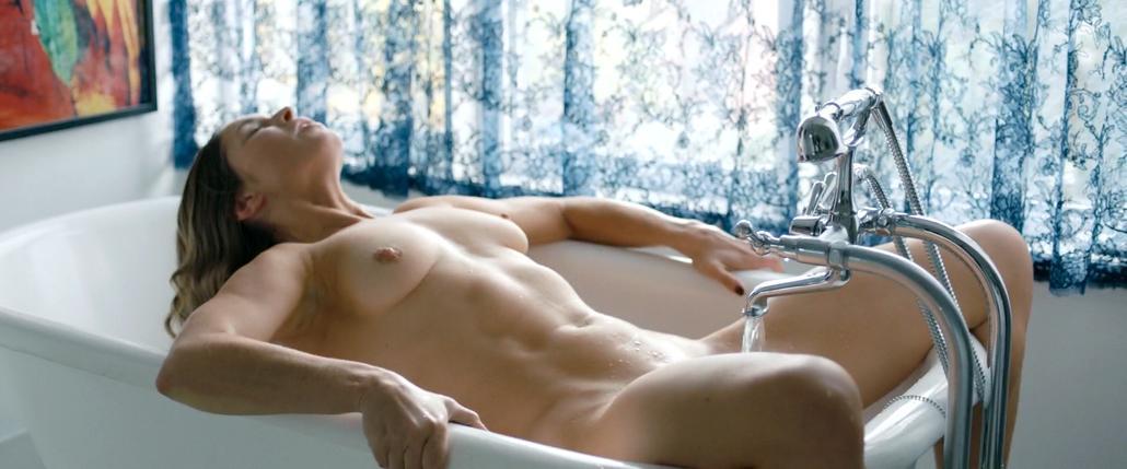 Natalie Krill Desnuda En Below Her Mouth
