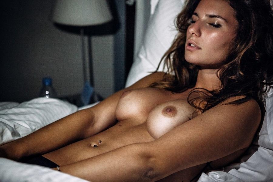 Pauline Santamaria posando desnuda ante Stephane La Neve