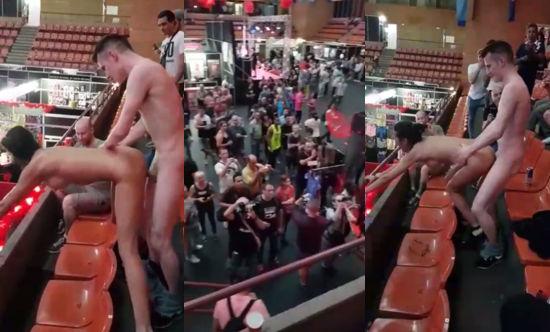 Follando en algún festival erótico
