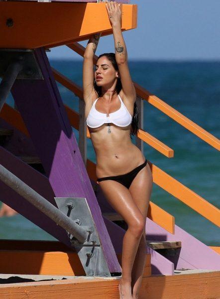 Giulia De Lellis Pillada en Topless