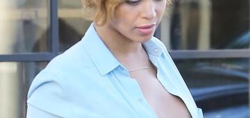 Beyonce sale a la calle con las tetas fuera